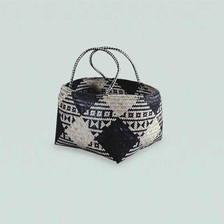 Basket Elog With Handle